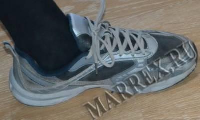 Как отремонтировать кроссовки?